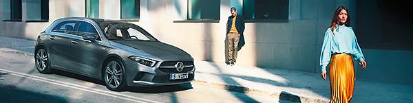 Mercedes Benz original Fußraumschalen  2-teilig  A B CLA GLA Klasse A1176802800